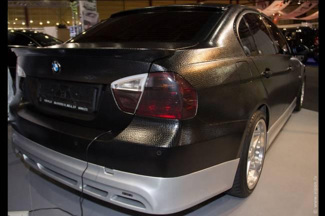 BMW в крокодиловой коже