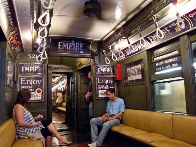 Рекламный поезд в метро