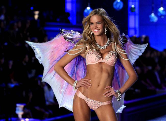 Показ Victoria's Secret 2011