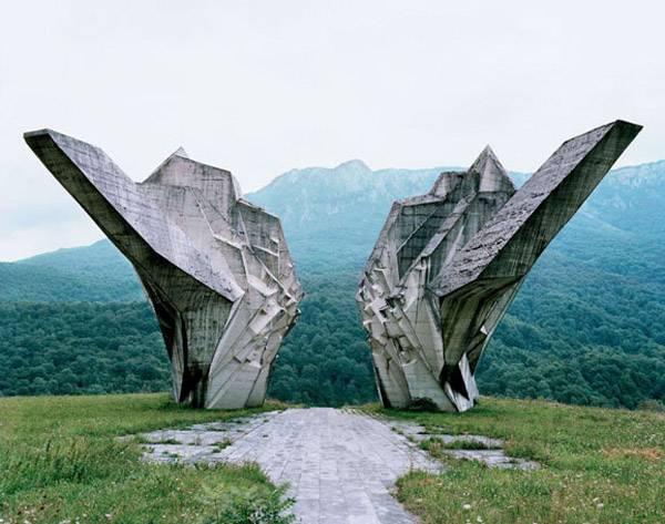 Памятники Югославии