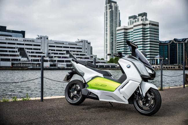 Электро-скутер BMW