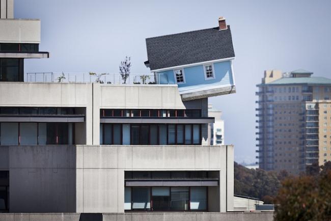 Головокружительный дом на крыше